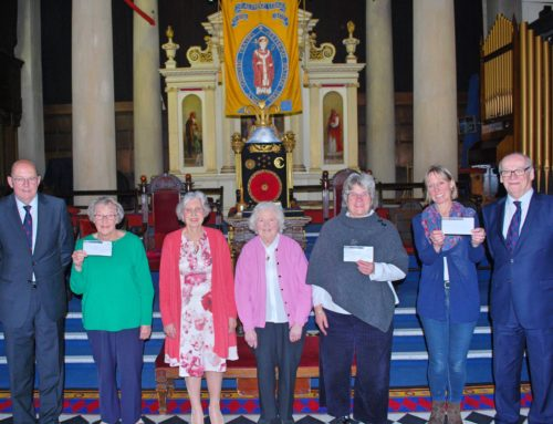 St Alphege donates £6000 to Local Charities